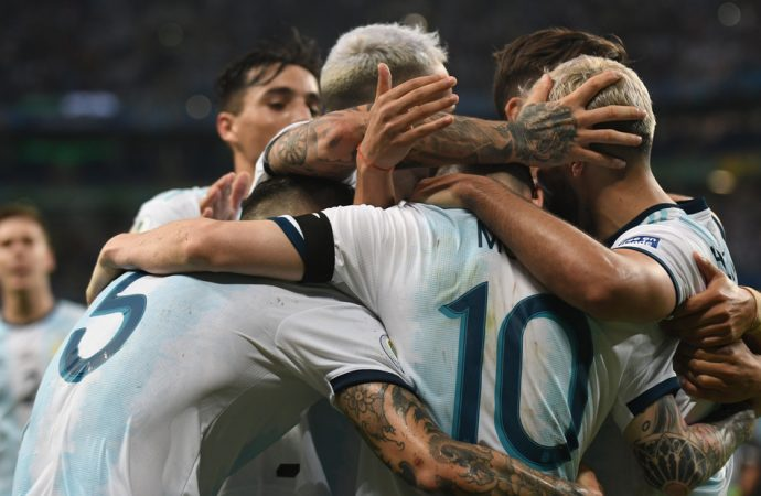Copa América 2019: Brasil venció a Paraguay en los penales. Hoy juega Argentina a las 16 hs.
