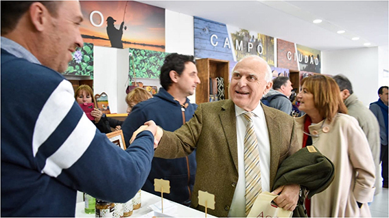 Lifschitz recorrió la Exposición Rural de Buenos Aires y valoró el aporte económico del campo